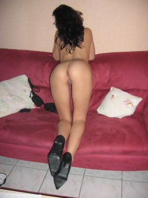 Thalina escort in Witten